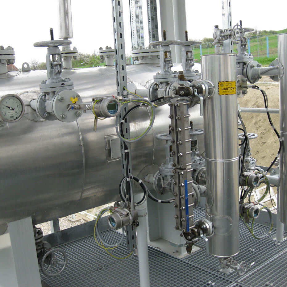 Gas fractionation units